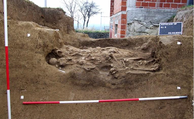 Slika iskopavanja u Potočanima